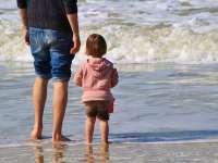 Összefüggés a gyermek betegségei és apja kora között