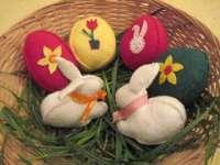 Törhetetlen tojások filcből, gyapjúból a legkisebbeknek